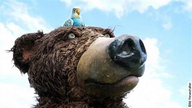 Herr Eichhorn und der Besucher vom blauen Planeten