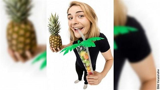 Hazel Brugger- Tropical