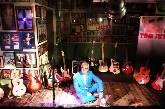 """TOM JET: """"Me, my guitars & my favorite songs"""""""